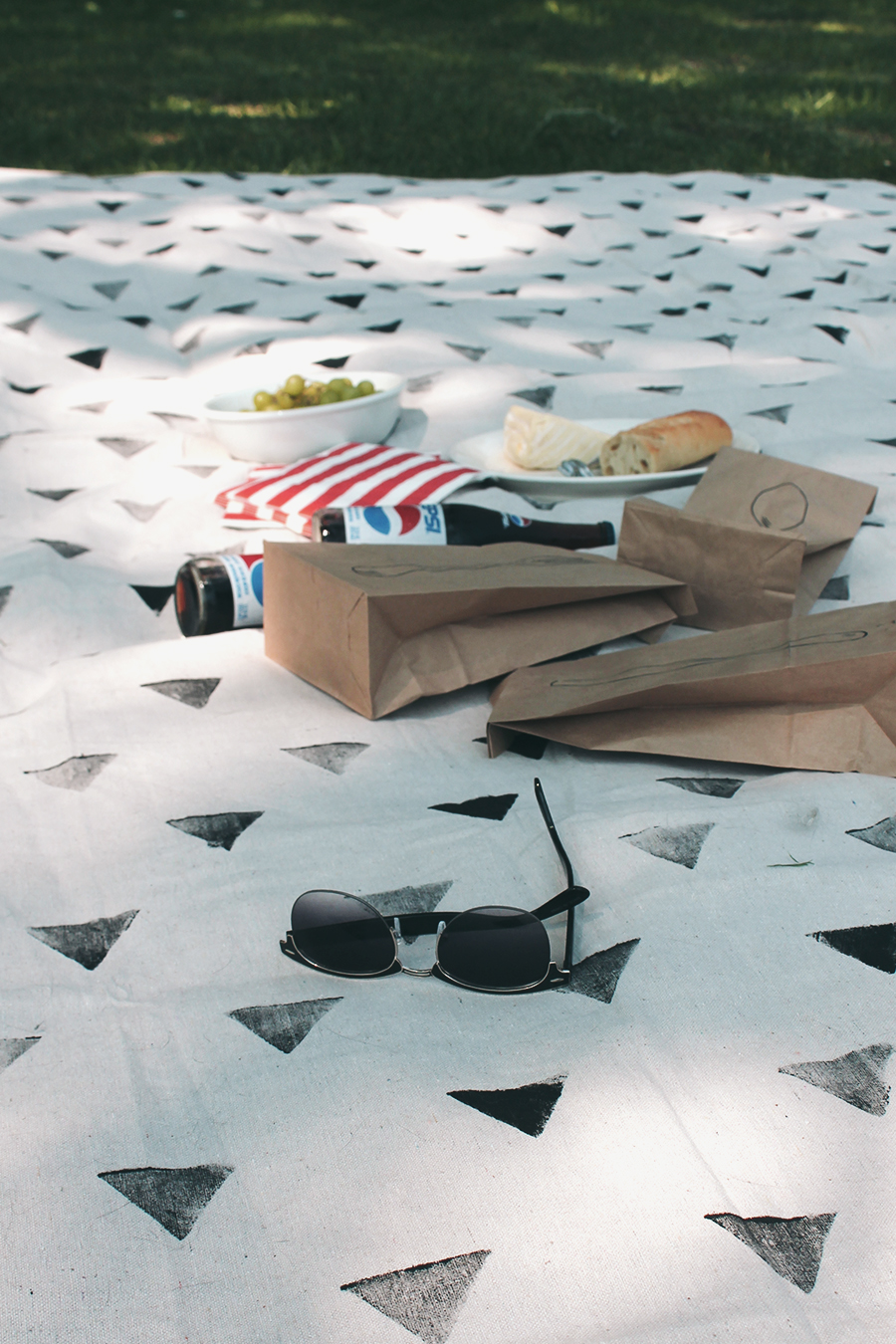 diy patterned picnic blanket - almost makes perfect