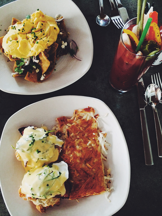 cheekys // palm springs brunch