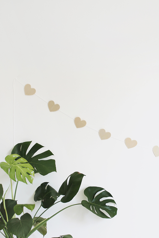 DIY valentines wood heart garland